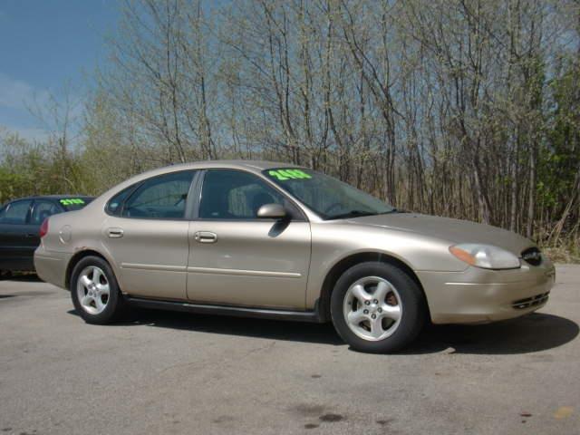 2001 Ford Taurus SE 4dr Sedan - Green Bay WI