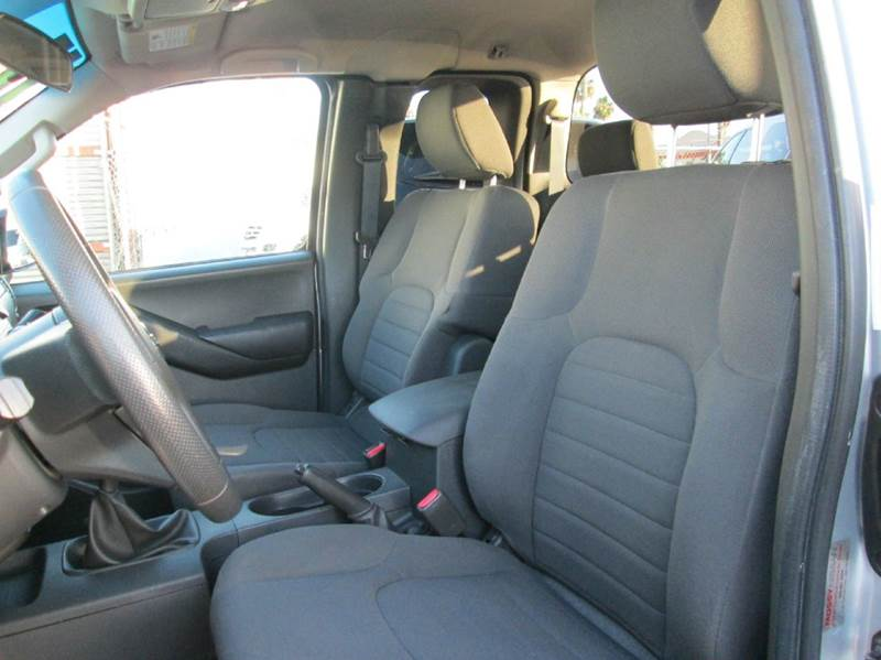 2014 Nissan Frontier 4x2 SV 4dr King Cab 6.1 ft. SB Pickup 5M - San Diego CA