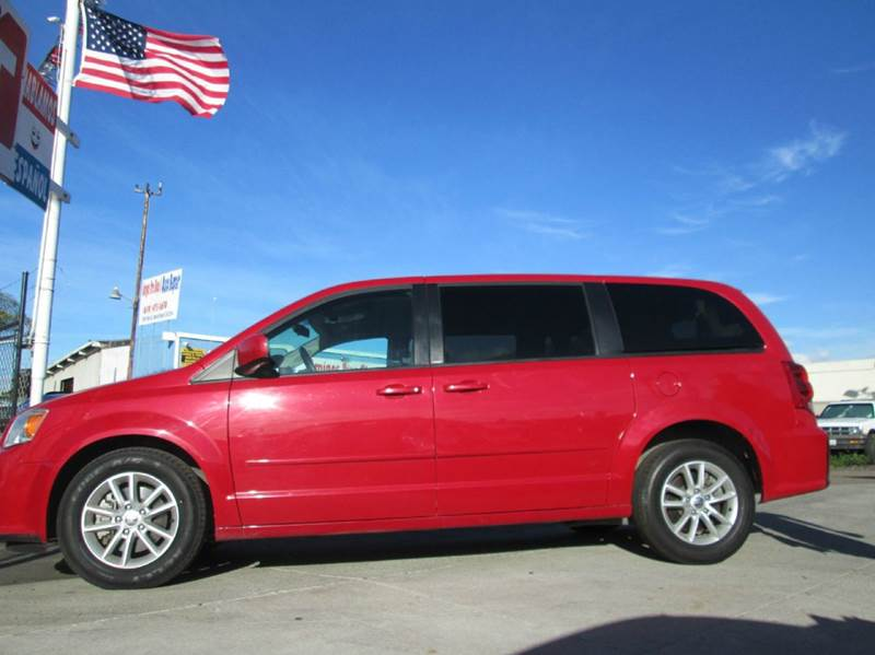 2013 Dodge Grand Caravan SXT 4dr Mini-Van - San Diego CA