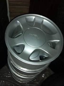2004 Ford Mustang alloy wheels 4x