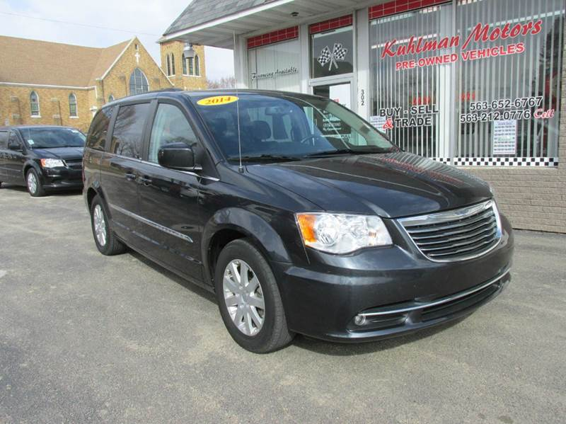 2014 Chrysler Town and Country Touring 4dr Mini-Van - Maquoketa IA
