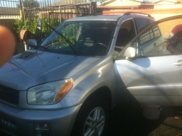 2002 TOYOTA RAV4 BASE 2WD 4DR SUV silver one of the best compact suv you  can drive the reliabili