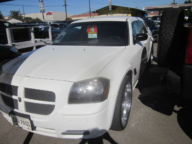 2006 DODGE MAGNUM SE 4DR WAGON white our mission at car pass is always to exceed your expectation