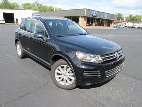 2013 Volkswagen Touareg for sale in Centralia, IL