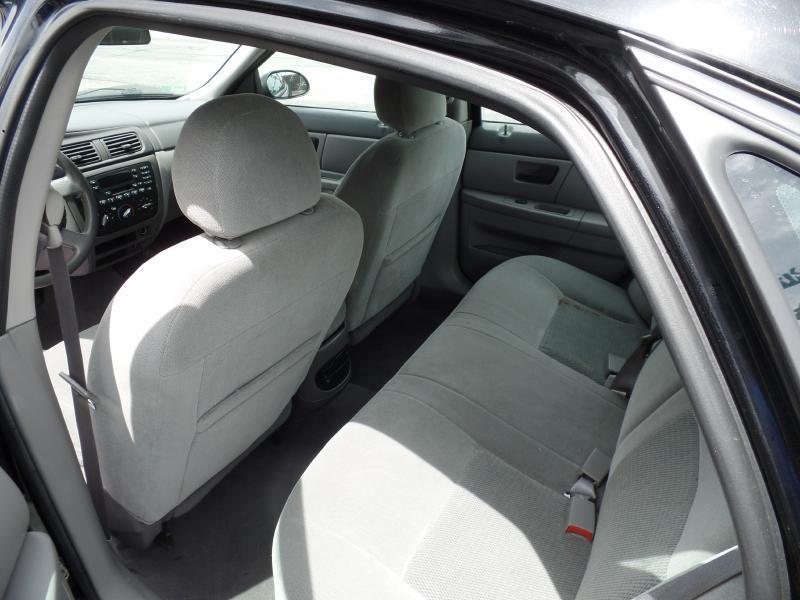 2005 Ford Taurus SE 4dr Sedan - Attleboro MA