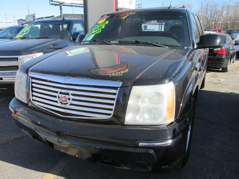 2004 Cadillac Escalade Ext Awd 4dr Crew Cab Sb In Wichita