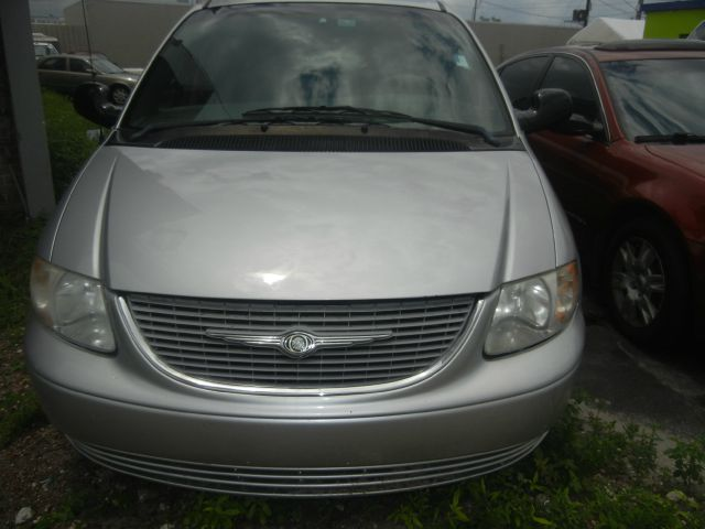 2002 Chrysler Town and Country for sale in Oakland Park FL