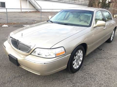 2006 Lincoln Town Car For Sale In New York Carsforsale Com
