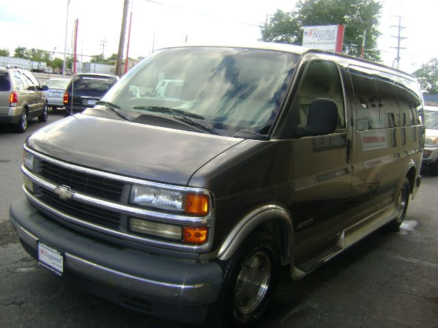 1999 Chevrolet Express for sale in Chicago IL