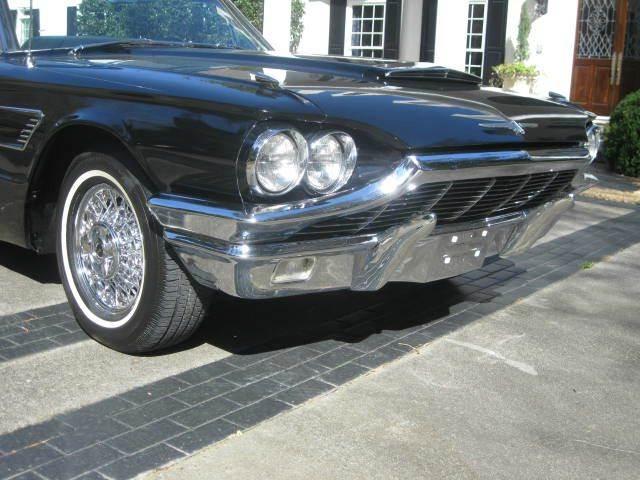 1965 Ford Thunderbird 29