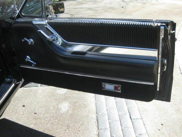 1965 Ford Thunderbird 31