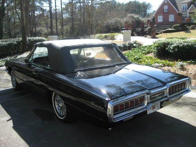 1965 Ford Thunderbird 32