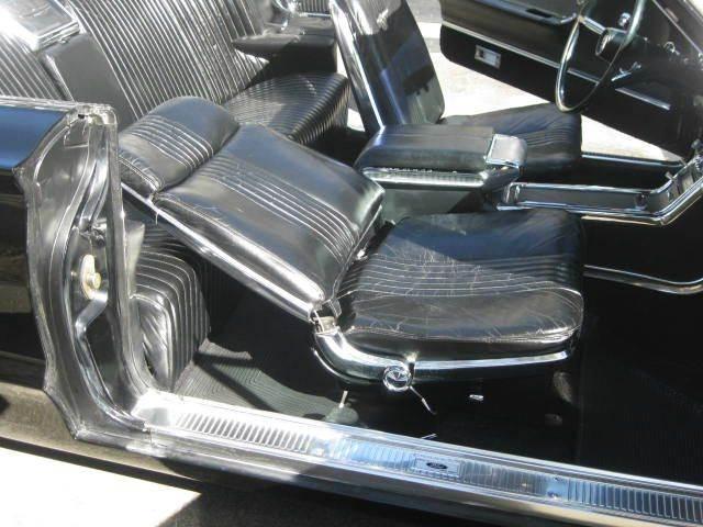 1965 Ford Thunderbird 33