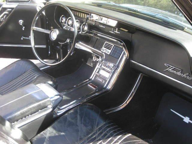 1965 Ford Thunderbird 34