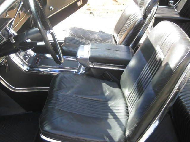 1965 Ford Thunderbird 36