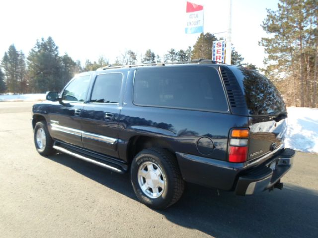 2005 gmc yukon xl slt 1500 4wd for sale in forest lake. Black Bedroom Furniture Sets. Home Design Ideas