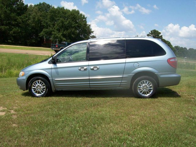 2003 Chrysler Town and Country for sale in Raymond MS