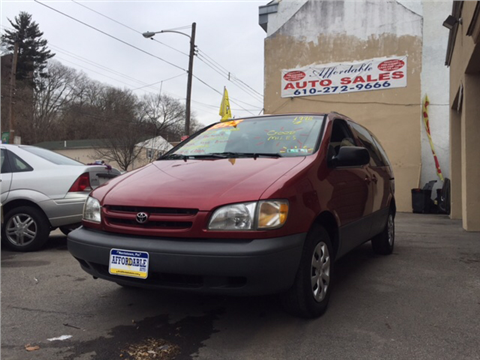 1998 Toyota Sienna for sale in Norristown, PA