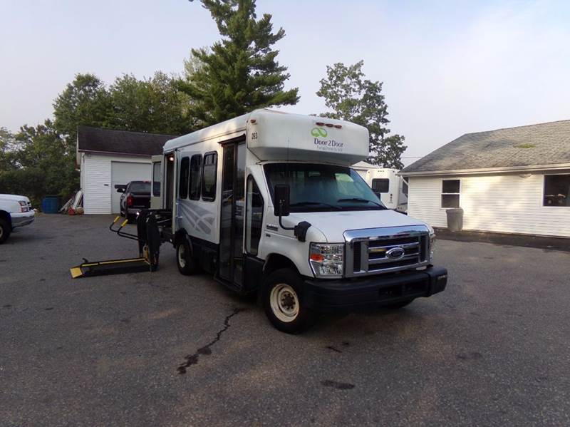 2009 Ford E-Series Chassis E-350 SD 2dr 158 in. WB DRW Cutaway Chassis - Tilton NH