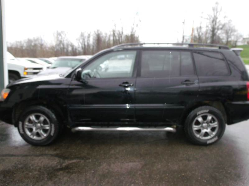 2006 toyota highlander awd 4dr suv w 3rd row in cambridge oh r 39 s first motor sales. Black Bedroom Furniture Sets. Home Design Ideas