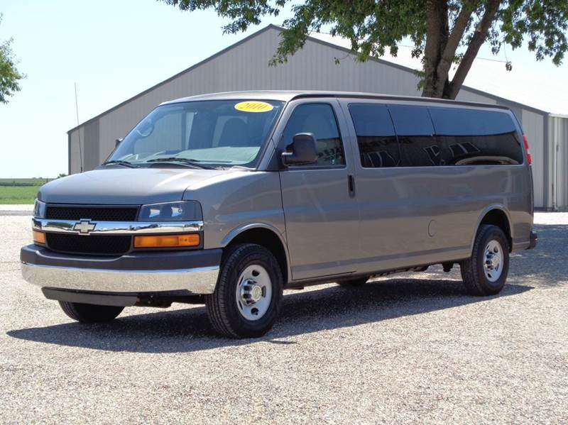 2010 Chevrolet Express Passenger LT 3500 3dr Extended Passenger Van - Edina MO