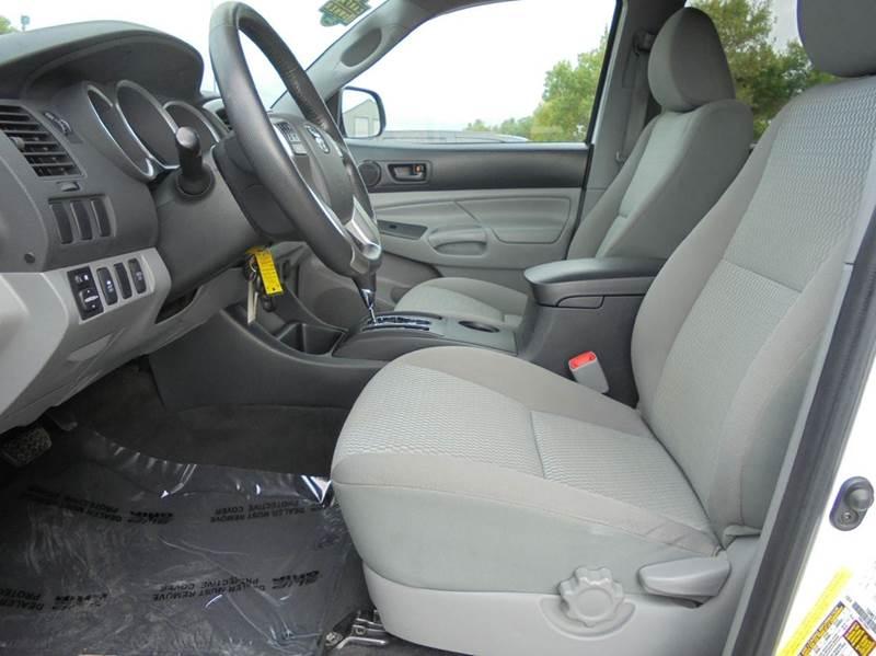 2013 Toyota Tacoma 4x4 V6 4dr Double Cab 5.0 ft SB 5A - Edina MO