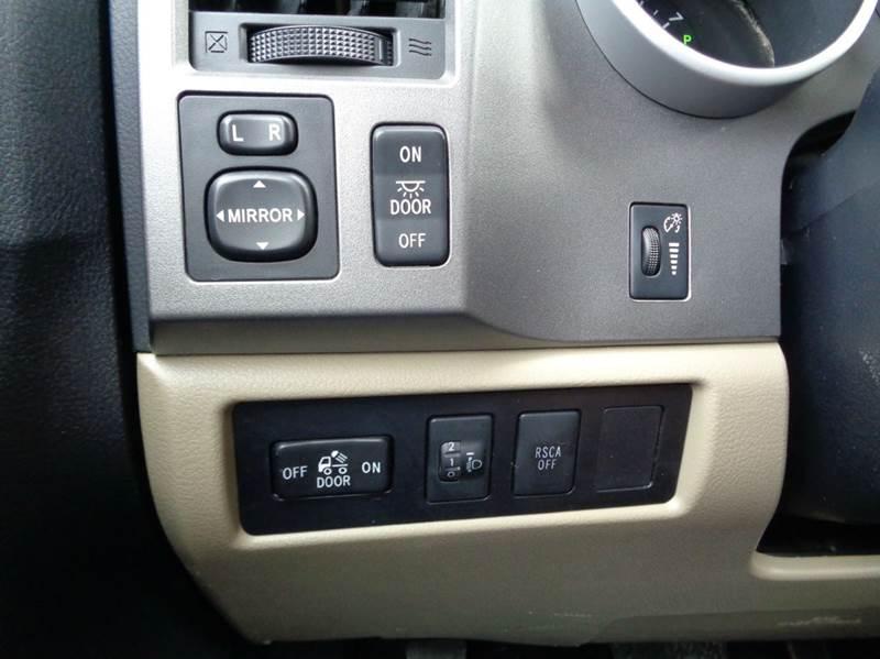 2012 Toyota Tundra 4x4 Grade 4dr CrewMax Cab Pickup SB (5.7L V8 FFV) - Edina MO