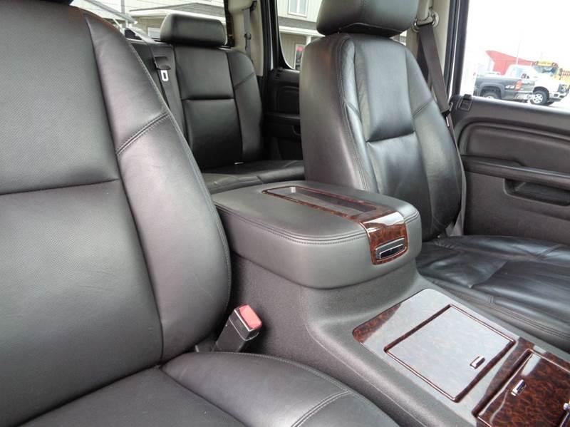 2011 GMC Sierra 2500HD 4x4 Denali 4dr Crew Cab SB - Edina MO