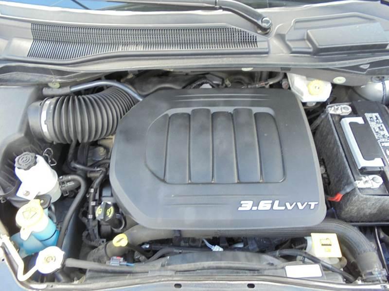 2013 Dodge Grand Caravan SXT 4dr Mini Van - Edina MO