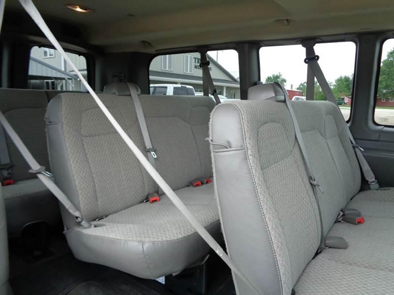 2011 Chevrolet Express Passenger LS 2500 3dr Passenger Van - Edina MO