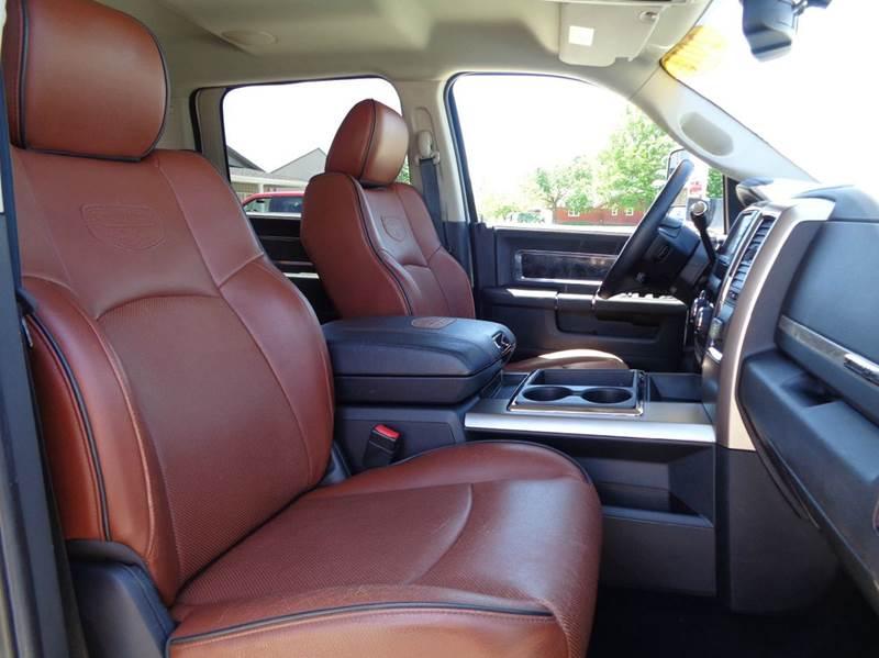 2011 RAM Ram Pickup 3500 4x4 Laramie Longhorn 4dr Crew Cab 6.3 ft. SB Pickup - Edina MO