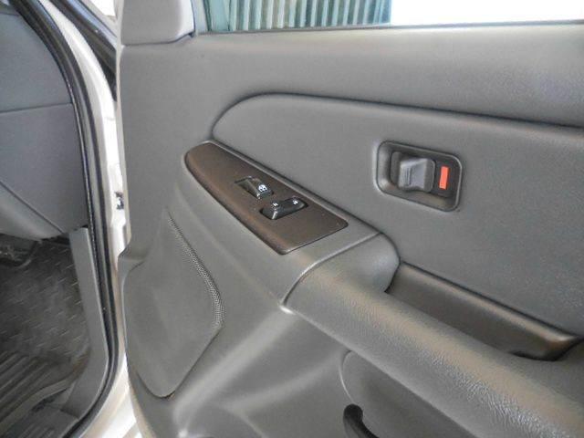 2004 Chevrolet Silverado 2500HD LS 2dr Standard Cab 4WD LB - Edina MO