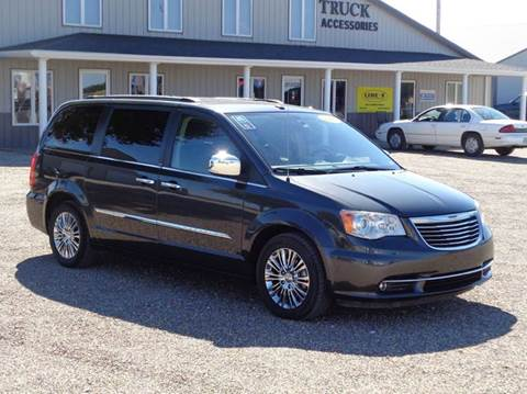 2011 Chrysler Town and Country for sale in Edina, MO