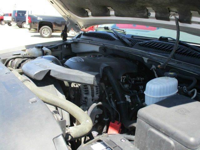 2004 GMC Yukon XL 1500 SLE 4WD 4dr SUV - Versailles MO