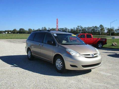 2007 Toyota Sienna for sale in Versailles, MO