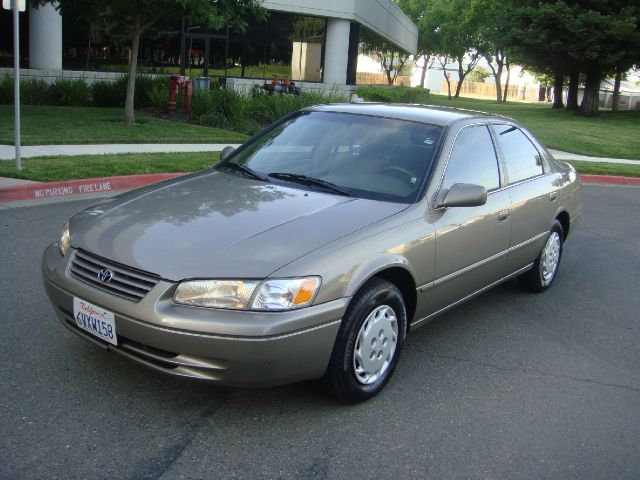 used 1999 toyota camry le 4dr in sacramento ca at utu auto. Black Bedroom Furniture Sets. Home Design Ideas