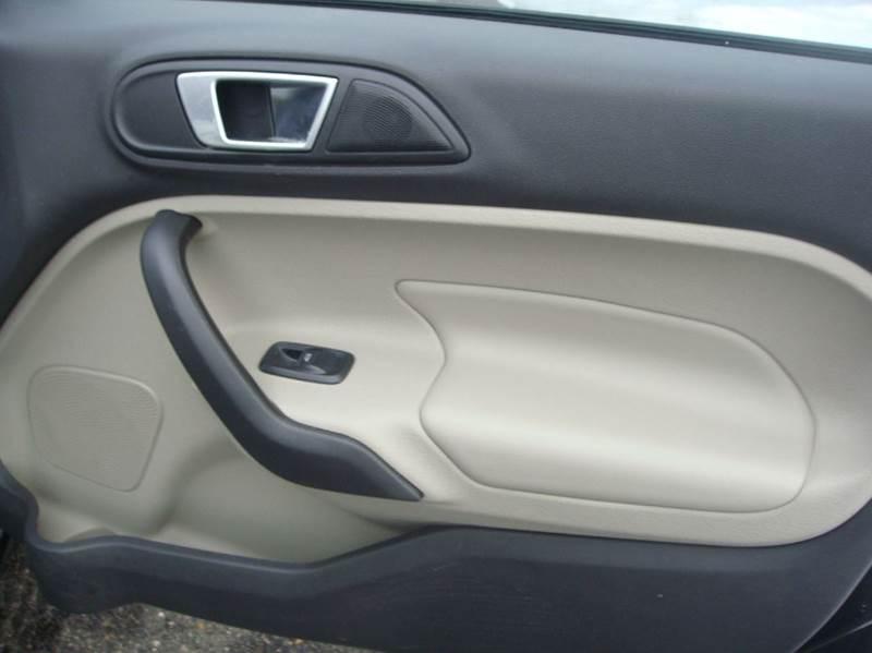 2015 Ford Fiesta Titanium 4dr Sedan - Shakopee MN
