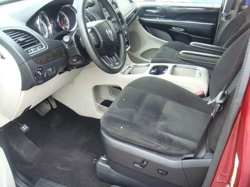 2014 Dodge Grand Caravan SXT 4dr Mini Van - Shakopee MN