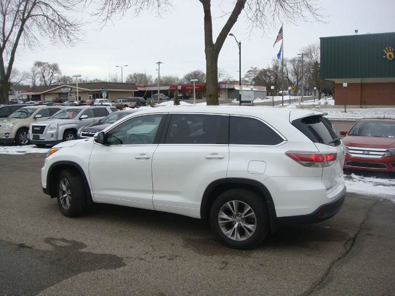 2015 Toyota Highlander Le Plus Awd 4dr Suv In Shakopee Mn