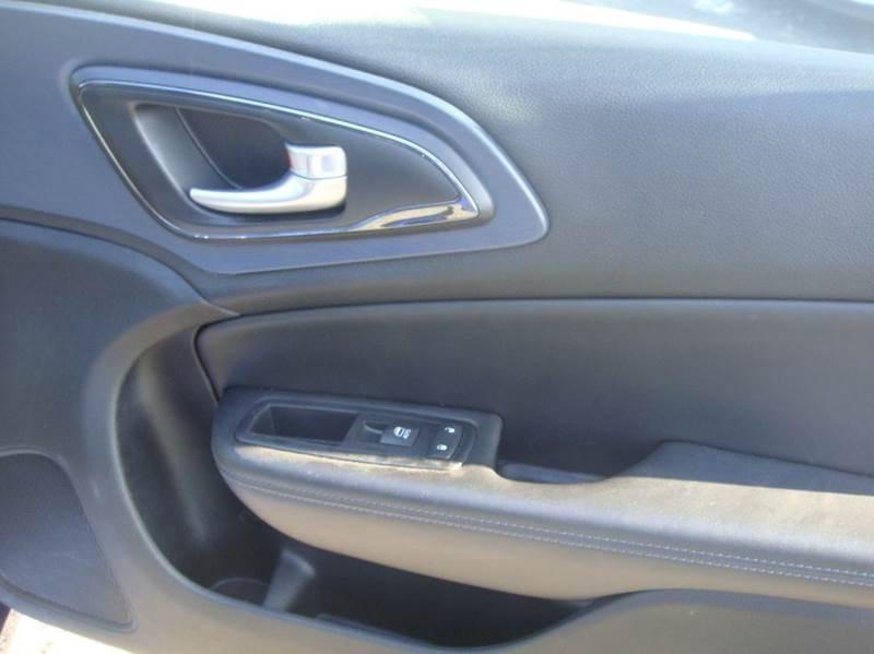 2015 Chrysler 200 S 4dr Sedan - Shakopee MN