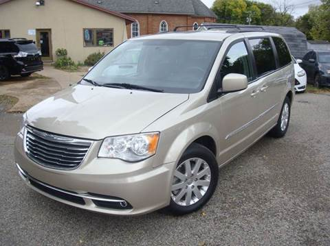 2014 Chrysler Town and Country for sale in Shakopee, MN