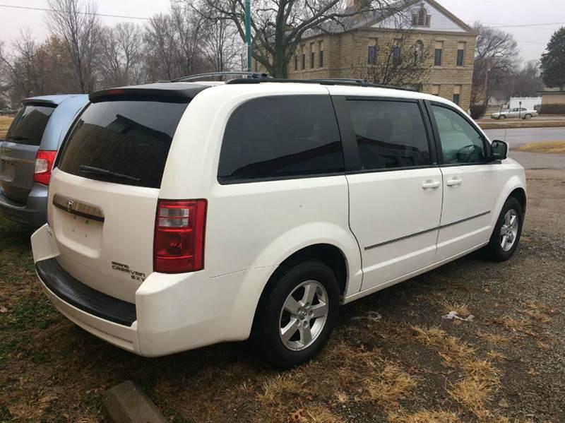 2010 Dodge Grand Caravan SXT 4dr Mini Van - Saint Marys KS