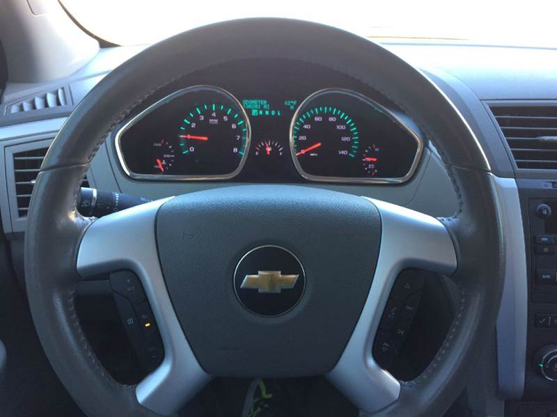 2012 Chevrolet Traverse LT AWD 4dr SUV w/ 1LT - Saint Marys KS
