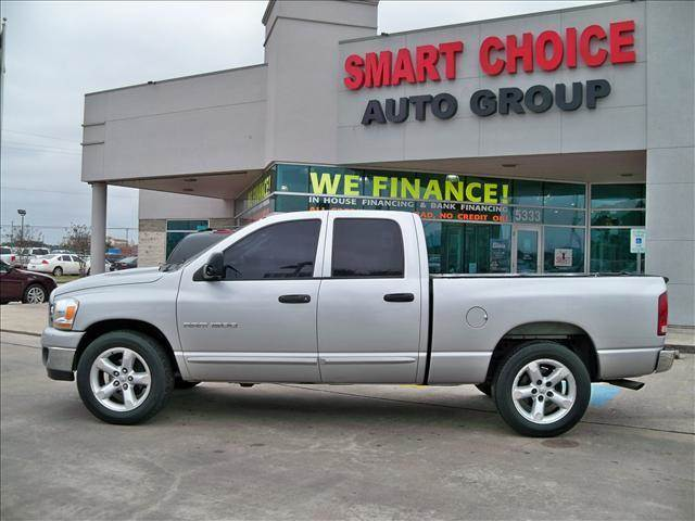 2006 DODGE RAM PICKUP 1500 QUAD CAB silver options abs brakesair conditioningalloy wheelsamfm r