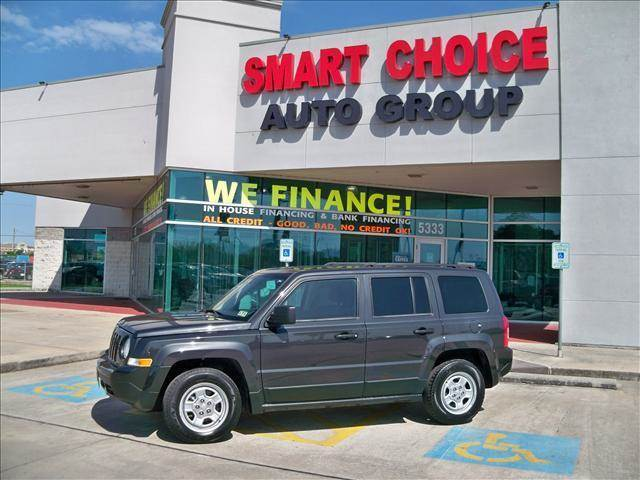 2011 JEEP PATRIOT SPORT black abs brakesair conditioningamfm radiocargo area tiedownscd play