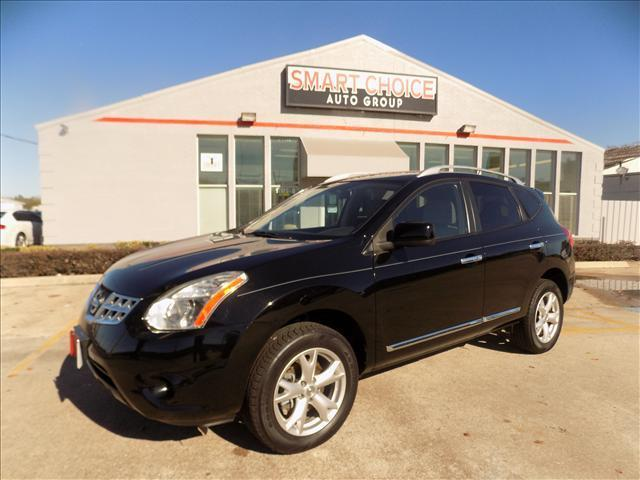2011 NISSAN ROGUE S 2WD black abs brakesair conditioningamfm radiocargo area tiedownscd play