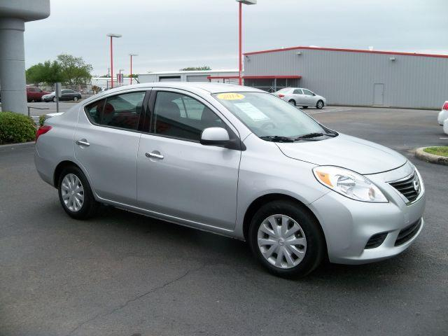 2014 NISSAN VERSA brilliant silver new vehicle warrantymitsubishi confidence10-year100000-mile