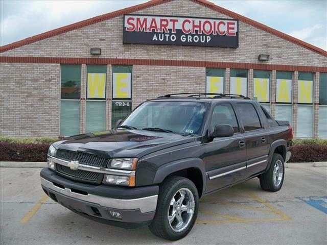 2005 CHEVROLET AVALANCHE 1500 CREW CAB 130 WB black options abs brakesair conditioningalloy whee