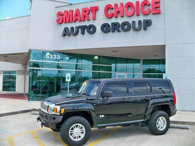 2007 HUMMER H3 4WD SUV black options 4wdawdabs brakesair conditioningalloy wheelsamfm radioaut