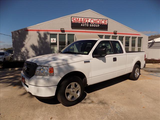 2006 FORD F-150 XL SUPERCAB 2WD white 117770 miles VIN 1FTRX12W96NA28952